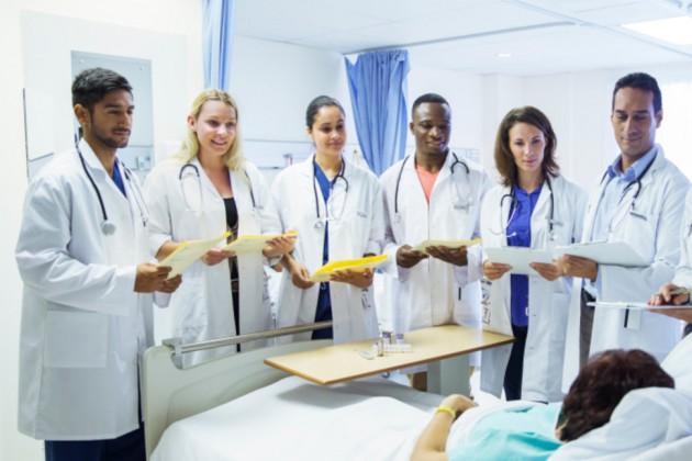 """L'idée des """"medical schools"""" fait son chemin sous la Coupole fédérale"""