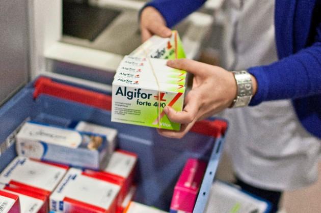 Pourquoi les médicaments sont-ils si onéreux en Suisse ?