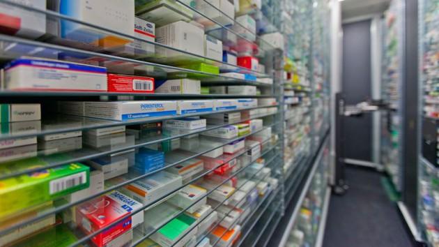 Passe d'armes autour du prix des médicaments ⎥politico ⎥ Campus Biotech